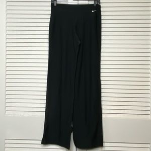 Nike dry fit yoga straight leg small
